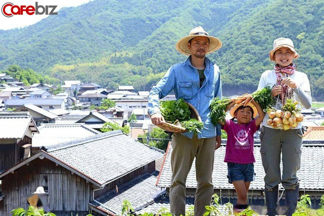 Hai vợ chồng 8X nghỉ việc về quê trồng rau làm ruộng: Thay vì mù quáng theo đuổi vật chất thành thị, chỉ cần có khoảng sân nhỏ và sống chậm rãi đã là hưởng thụ cuộc sống - Ảnh 11.