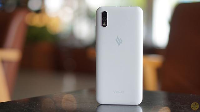 Viettel bắt tay VinSmart phổ cập smartphone toàn dân với giá chỉ 600 ngàn đồng - Ảnh 1.