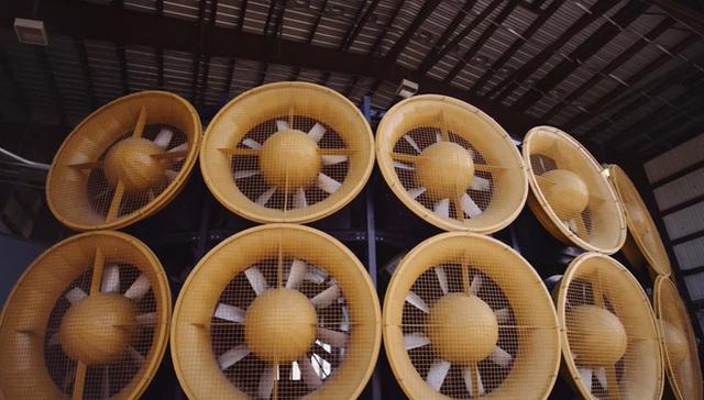Đây là hệ thống quạt mạnh nhất thế giới, có thể tái tạo sức gió trên cả ngưỡng siêu bão cuồng phong - Ảnh 2.