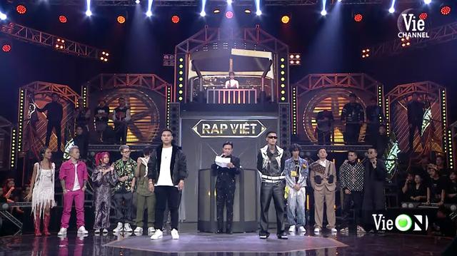 Rap Việt lập kỷ lục thế giới nhờ 1,2 triệu người xem trực tuyến: Gấp 5 lần thành tích của Độ Mixi, mang về cả chục tỷ đồng từ YouTube - Ảnh 1.