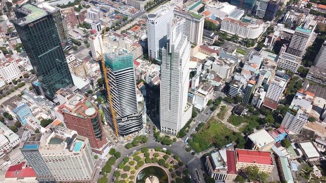 Cận cảnh khách sạn 5 sao Hilton Sài Gòn đang trong diện rà soát pháp lý - Ảnh 2.