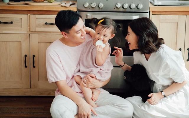 Hot Vlogger Gia đình Cam Cam chia sẻ chuyện chi tiêu sau kết hôn: Quỹ chung hay quỹ đen? Hưởng thụ hay tiết kiệm? Mua nhà trả thẳng hay trả góp? - Ảnh 1.