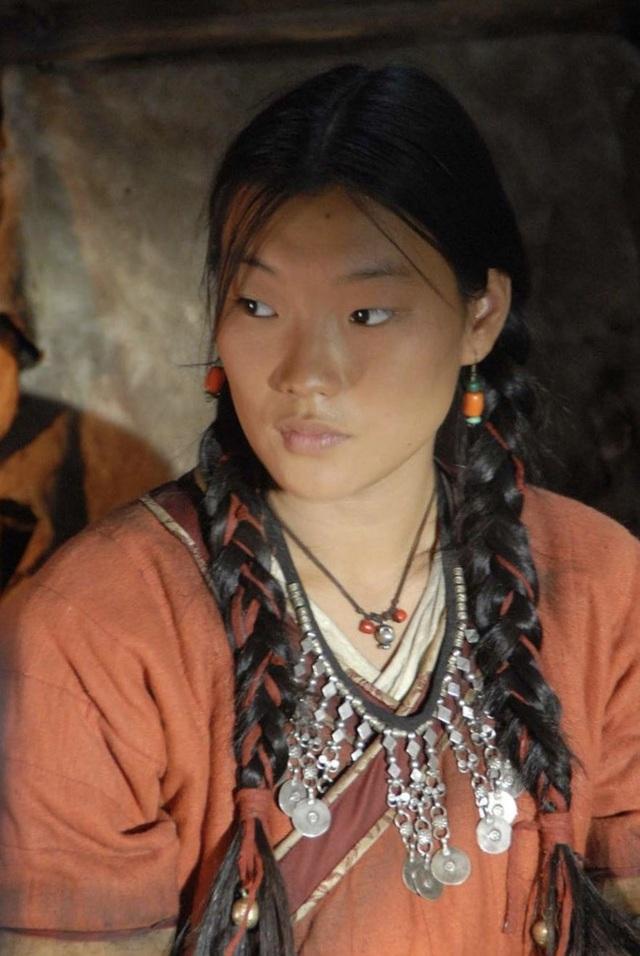 Chuyện thật có 1-0-2: Phụ nữ Eskimo được chồng đem ra tiếp khách để thể hiện lòng hiếu khách, thoải mái cho ngủ chung với người lạ - Ảnh 1.