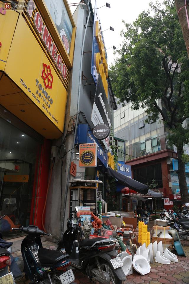 Ảnh: Cận cảnh những ngôi nhà siêu mỏng, siêu nhỏ ở đường Trường Chinh - Ảnh 9.