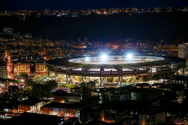 Đội bóng danh tiếng Italy đổi tên sân để tưởng nhớ Maradona - Ảnh 1.