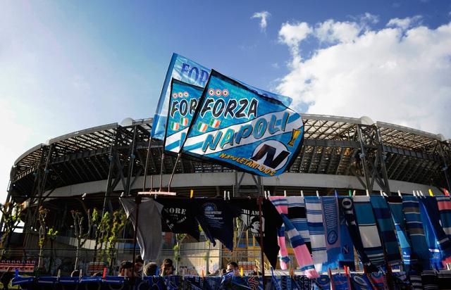 Đội bóng danh tiếng Italy đổi tên sân để tưởng nhớ Maradona - Ảnh 2.