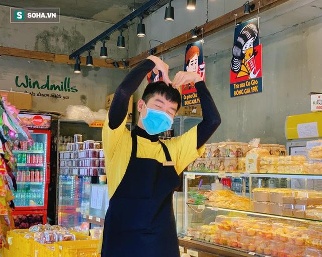 """Tiết lộ bất ngờ của hàng bánh Cối Xay Gió ở Đà Lạt khi bức tường vàng sẽ """"biến mất"""" - Ảnh 1."""