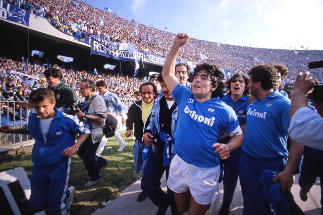 Đội bóng danh tiếng Italy đổi tên sân để tưởng nhớ Maradona - Ảnh 3.