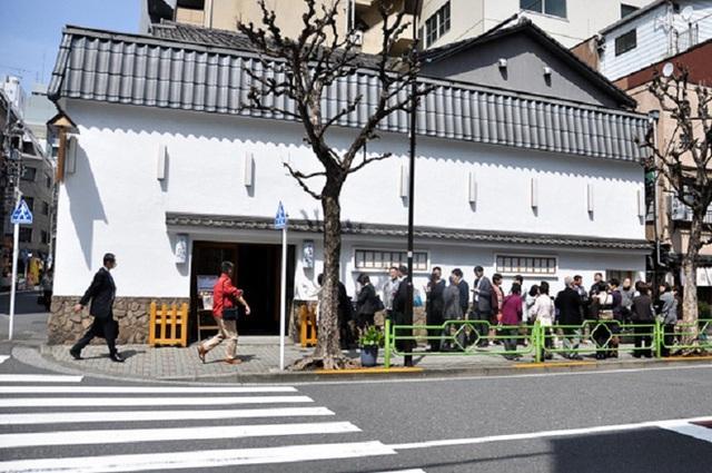 Chỉ bán cơm trứng nhưng nhà hàng Nhật này đã tồn tại suốt 250 năm, khách xếp hàng 4 tiếng cũng chưa chắc mua được - Ảnh 5.