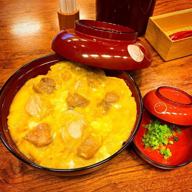 Chỉ bán cơm trứng nhưng nhà hàng Nhật này đã tồn tại suốt 250 năm, khách xếp hàng 4 tiếng cũng chưa chắc mua được - Ảnh 6.