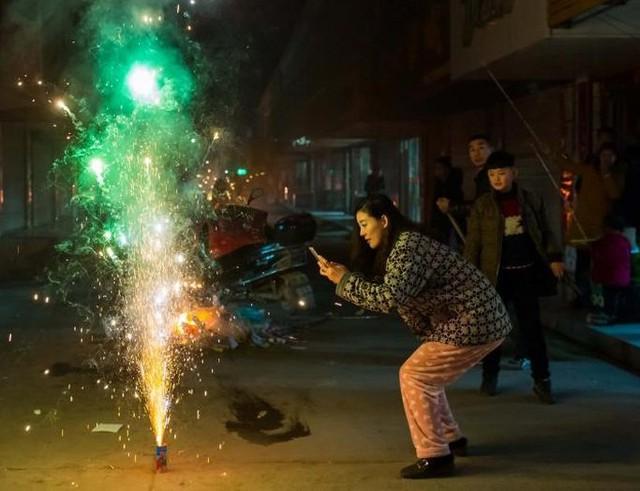 Người dân được sử dụng loại pháo hoa nào trong các dịp lễ, tết, sinh nhật? - Ảnh 2.