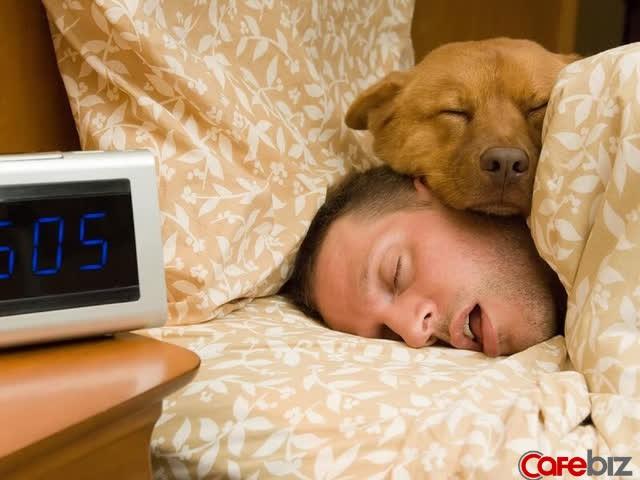 7 điều tối kỵ đàn ông KHÔNG BAO GIỜ LÀM vào buổi sáng: Nếu đánh mất 1 tiếng vào buổi sáng, bạn sẽ phải dành cả ngày để tìm lại nó - Ảnh 2.