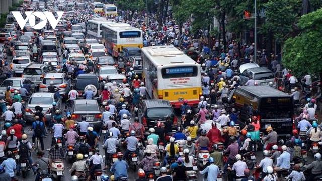 Hà Nội lại đề xuất đường riêng cho xe buýt: Hãy nhìn vào tuyến BRT đang vận hành  - Ảnh 1.