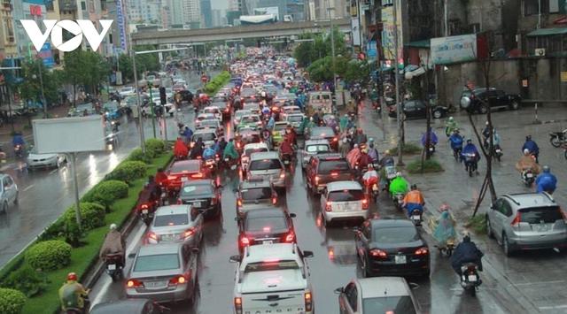 Hà Nội lại đề xuất đường riêng cho xe buýt: Hãy nhìn vào tuyến BRT đang vận hành  - Ảnh 4.