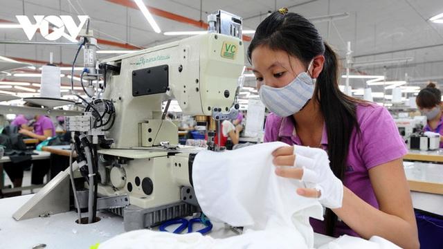Xuất khẩu dệt may giảm sau 25 năm tăng trưởng liên tục - Ảnh 1.