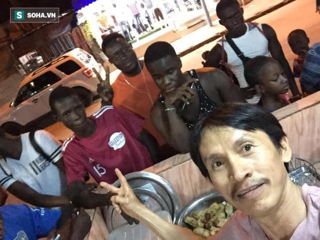 """Dương """"nem"""" nổi tiếng Senegal: 18 năm trả giá nơi xứ người, kiếm được tiền nhưng chỉ muốn về nước sống với túp lều tranh - Ảnh 14."""