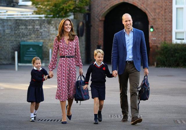 Tiết lộ cách các Hoàng tử, Công chúa Anh được xưng hô ở trường tiểu học, nhiều người nghe xong cảm thấy quá khó tin - Ảnh 1.