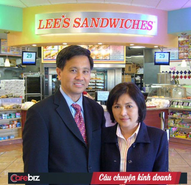 Chàng trai bán dạo quà vặt cổng trường trở thành ông chủ chuỗi 60 cửa hàng bánh mì Việt lớn nhất nước Mỹ - Ảnh 1.