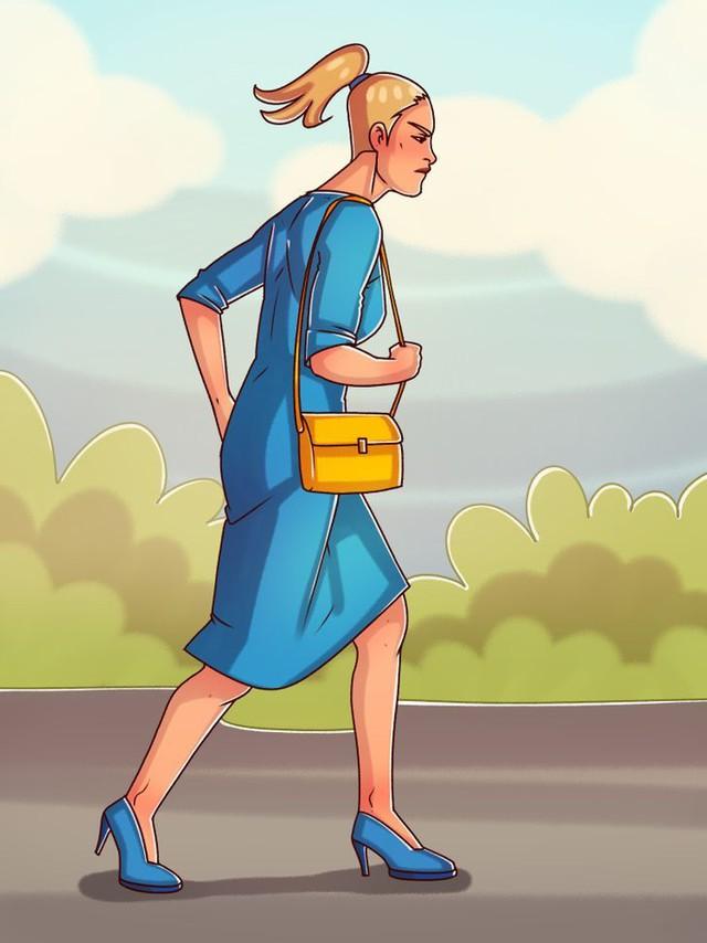 Nhìn dáng đi đoán tính cách: Người chịu được cô đơn thích khoanh tay đi bộ, người hướng nội tác phong nho nhã - Ảnh 2.