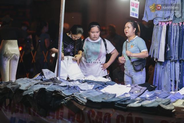 Cận cảnh phố đi bộ đêm thứ 3 vừa hoạt động thử nghiệm ở Sài Gòn - Ảnh 12.