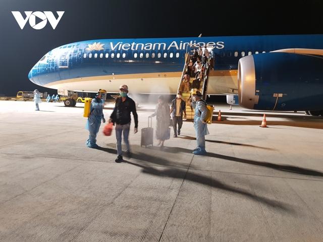 Dừng bay quốc tế sau khi tiếp viên vi phạm quy định cách ly phòng Covid-19 - Ảnh 3.