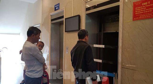 Vụ thang máy chung cư rơi ở Hà Nội: Người dân hoang mang, đề nghị làm rõ trách nhiệm - Ảnh 5.