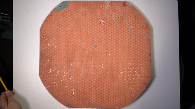 Mổ bụng chảo vệ tinh Đĩa Thị Mặt Mẹt của Starlink: toàn là chip do SpaceX tự sản xuất, có dàn ăng-ten tí hon hướng lên trời tự động dò vệ tinh để bắt sóng - Ảnh 14.