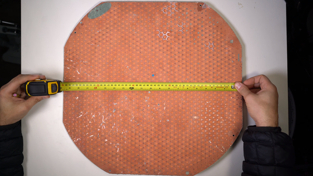 Mổ bụng chảo vệ tinh Đĩa Thị Mặt Mẹt của Starlink: toàn là chip do SpaceX tự sản xuất, có dàn ăng-ten tí hon hướng lên trời tự động dò vệ tinh để bắt sóng - Ảnh 16.