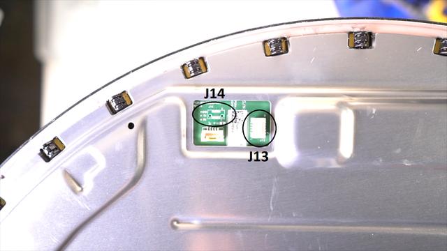 Mổ bụng chảo vệ tinh Đĩa Thị Mặt Mẹt của Starlink: toàn là chip do SpaceX tự sản xuất, có dàn ăng-ten tí hon hướng lên trời tự động dò vệ tinh để bắt sóng - Ảnh 11.