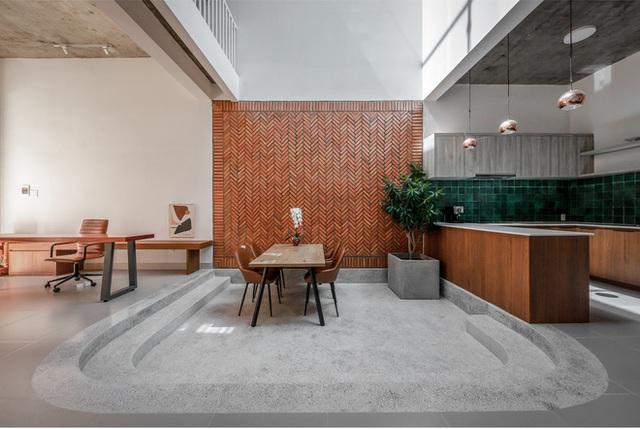 Công trình bằng gạch nung được cải tạo từ nhà kho ở Phan Thiết, đẹp lung linh trên báo Mỹ - Ảnh 2.