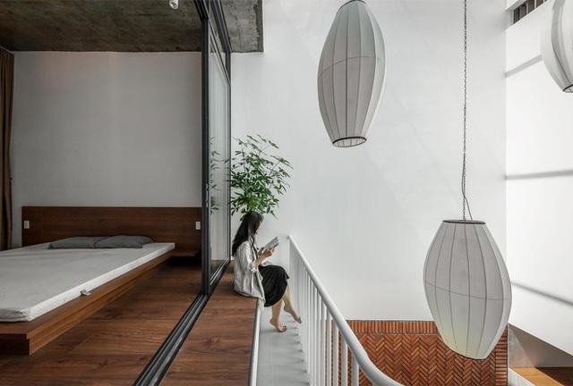 Công trình bằng gạch nung được cải tạo từ nhà kho ở Phan Thiết, đẹp lung linh trên báo Mỹ - Ảnh 3.