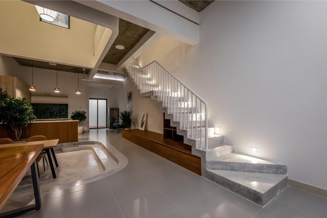 Công trình bằng gạch nung được cải tạo từ nhà kho ở Phan Thiết, đẹp lung linh trên báo Mỹ - Ảnh 6.