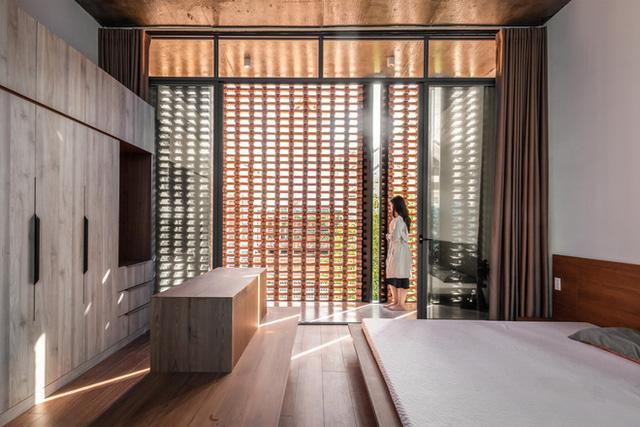 Công trình bằng gạch nung được cải tạo từ nhà kho ở Phan Thiết, đẹp lung linh trên báo Mỹ - Ảnh 7.