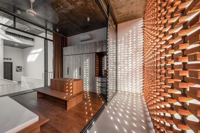 Công trình bằng gạch nung được cải tạo từ nhà kho ở Phan Thiết, đẹp lung linh trên báo Mỹ - Ảnh 8.