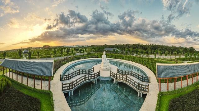 Cận cảnh hoa viên nghĩa trang hơn 2.000 tỷ đồng, có cảnh quan đẹp bậc nhất Việt Nam - Ảnh 10.