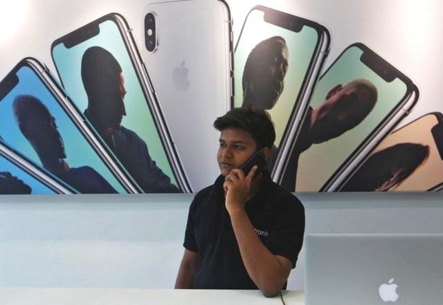 Sản lượng iPhone đời cũ có nguy cơ thiếu hụt vì nhà máy sản xuất của Foxconn và Wistron tại Ấn Độ buộc phải đóng cửa - Ảnh 1.