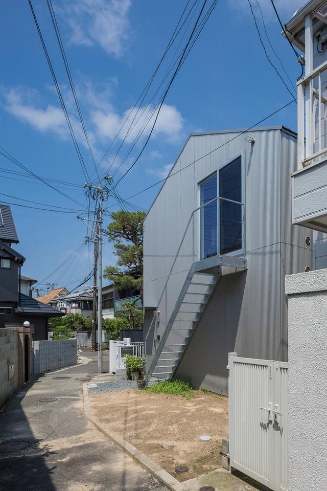 Căn nhà yên vui dưới bóng nắng và cây xanh của gia đình trẻ ở Nhật Bản - Ảnh 7.