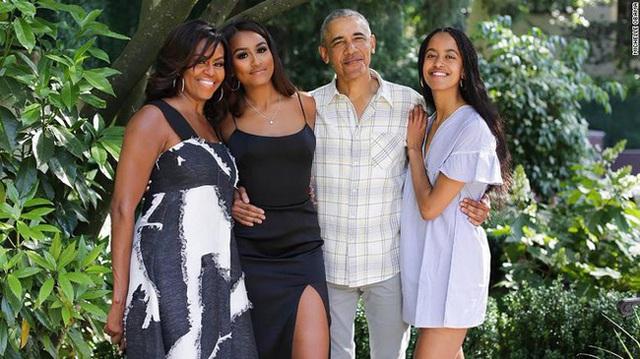Cuộc sống của gia đình ông Obama giữa dịch Covid-19: Đơn giản đến bất ngờ với những điều trân quý không phải ai cũng nhận ra - Ảnh 1.