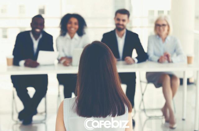 Kỹ năng phỏng vấn mùa dịch Covid-19: Biết cách liên lạc với nhà tuyển dụng sau phỏng vấn mới thể hiện kĩ năng của người tìm việc xuất sắc - Ảnh 1.