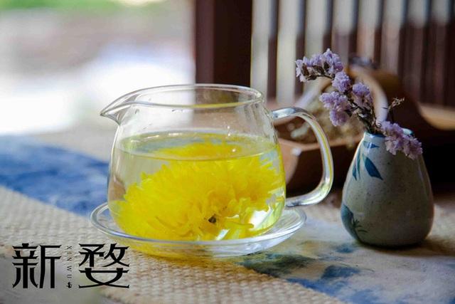 Hàng quán đóng cửa, Đông y gợi ý cách pha 3 cốc trà giúp giải độc, uống để khỏe đẹp hơn - Ảnh 1.