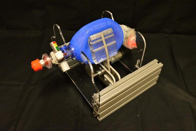 MIT phát hành miễn phí bản thiết kế máy thở giá rẻ, có thể được sao chép tại mọi bệnh viện trên thế giới - Ảnh 3.
