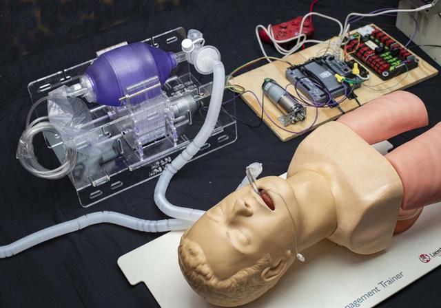 MIT phát hành miễn phí bản thiết kế máy thở giá rẻ, có thể được sao chép tại mọi bệnh viện trên thế giới - Ảnh 4.