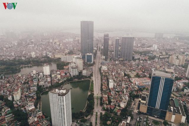 Ngắm nhìn đường phố Hà Nội từ trên cao trước ngày cách ly xã hội - Ảnh 8.