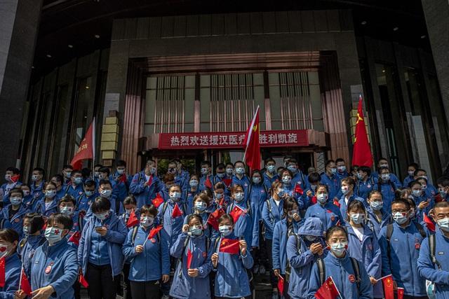Chùm ảnh: Vũ Hán - thành phố triệu dân vừa thức dậy sau một giấc ngủ kéo dài 76 ngày do lệnh phong tỏa trong đại dịch Covid-19 - Ảnh 13.