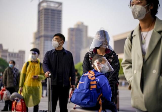 Chùm ảnh: Vũ Hán - thành phố triệu dân vừa thức dậy sau một giấc ngủ kéo dài 76 ngày do lệnh phong tỏa trong đại dịch Covid-19 - Ảnh 15.