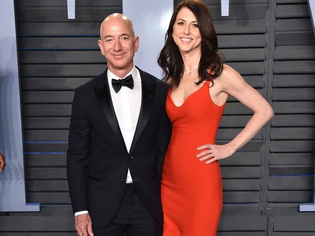 Chưa đầy 1 năm sau ly hôn, vợ cũ tỷ phú Amazon ngày một lên hương, nhìn vào khối tài sản hiện tại khiến ai cũng phải trầm trồ - Ảnh 1.