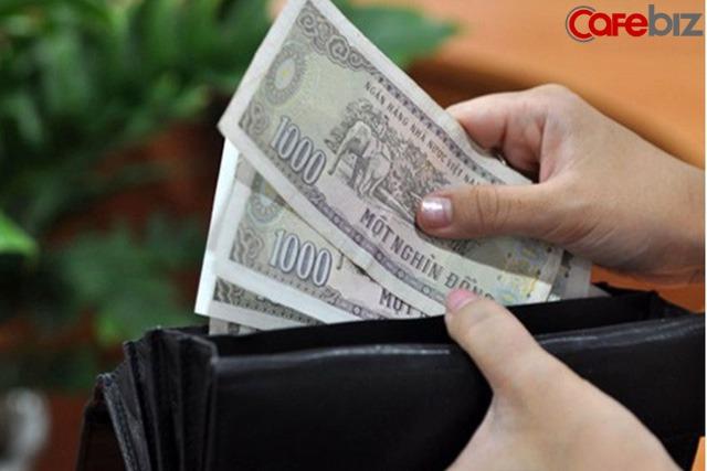 Bạn không đi làm, ai nuôi bạn? Những người bình thường tiêu sài hoang phí giờ nước mắt chảy ngược: Không biết tiền còn đủ tiêu được bao lâu - Ảnh 1.