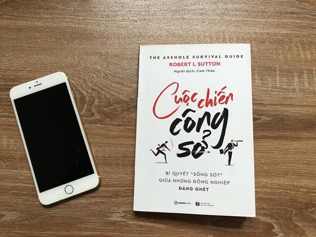 4 cuốn sách giúp bạn đánh bại mọi mưu hèn kế bẩn nơi công sở - Ảnh 3.