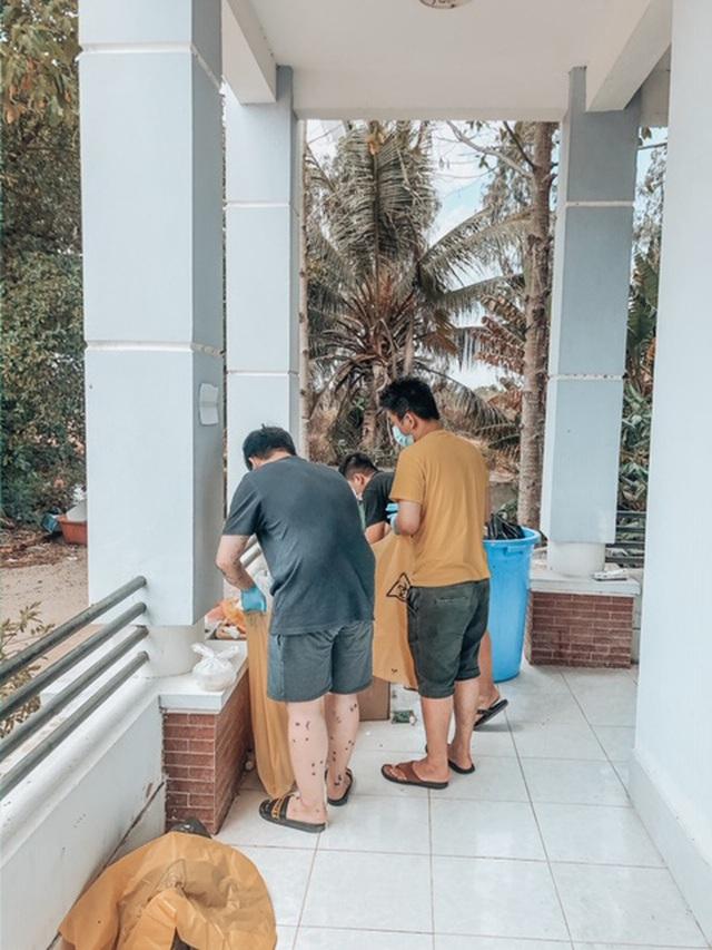 Những màn cải tạo khu cách ly đỉnh cao của DHS Việt: Biến chỗ ở 14 ngày thành nơi siêu sang chảnh, đã thế thái độ sống còn cực kỳ đáng khen - Ảnh 22.