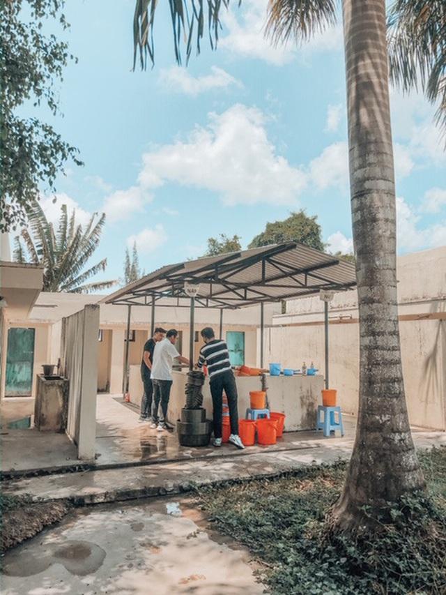 Những màn cải tạo khu cách ly đỉnh cao của DHS Việt: Biến chỗ ở 14 ngày thành nơi siêu sang chảnh, đã thế thái độ sống còn cực kỳ đáng khen - Ảnh 23.